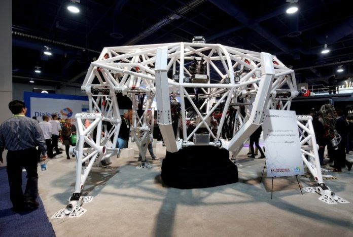 Prosthesis Exoskeleton Might be the Future of Mech Racing